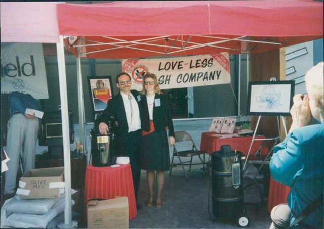 Mike and Colleen Loveless at a tradeshow #1